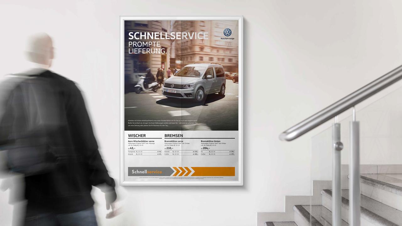 Volkswagen Schnellservice Poster für Nutzfahrzeuge an der Wand hängend